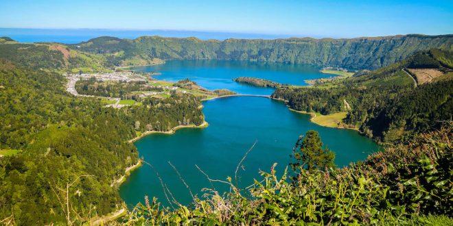 Lagoa Sete Cidades desde Mirador Vista do Rei