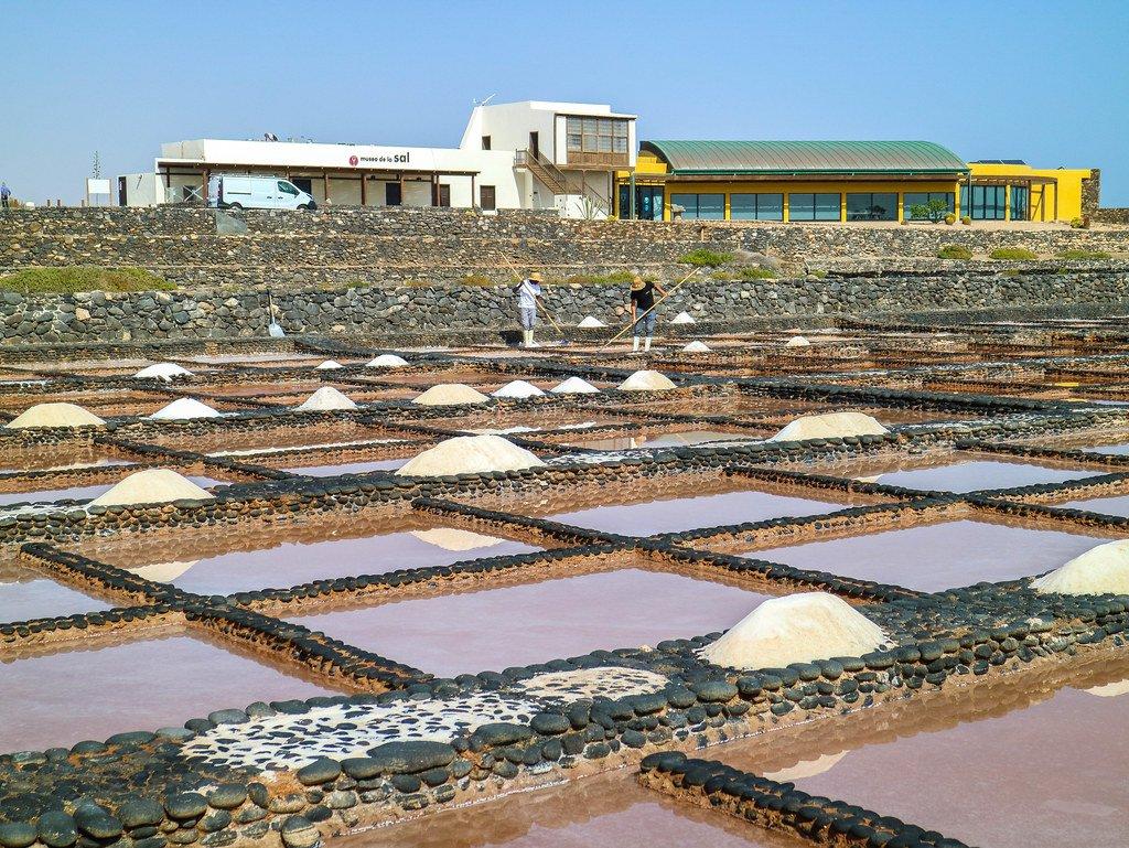 Vista de las Salinas del Carmen en la isla de Fuerteventura