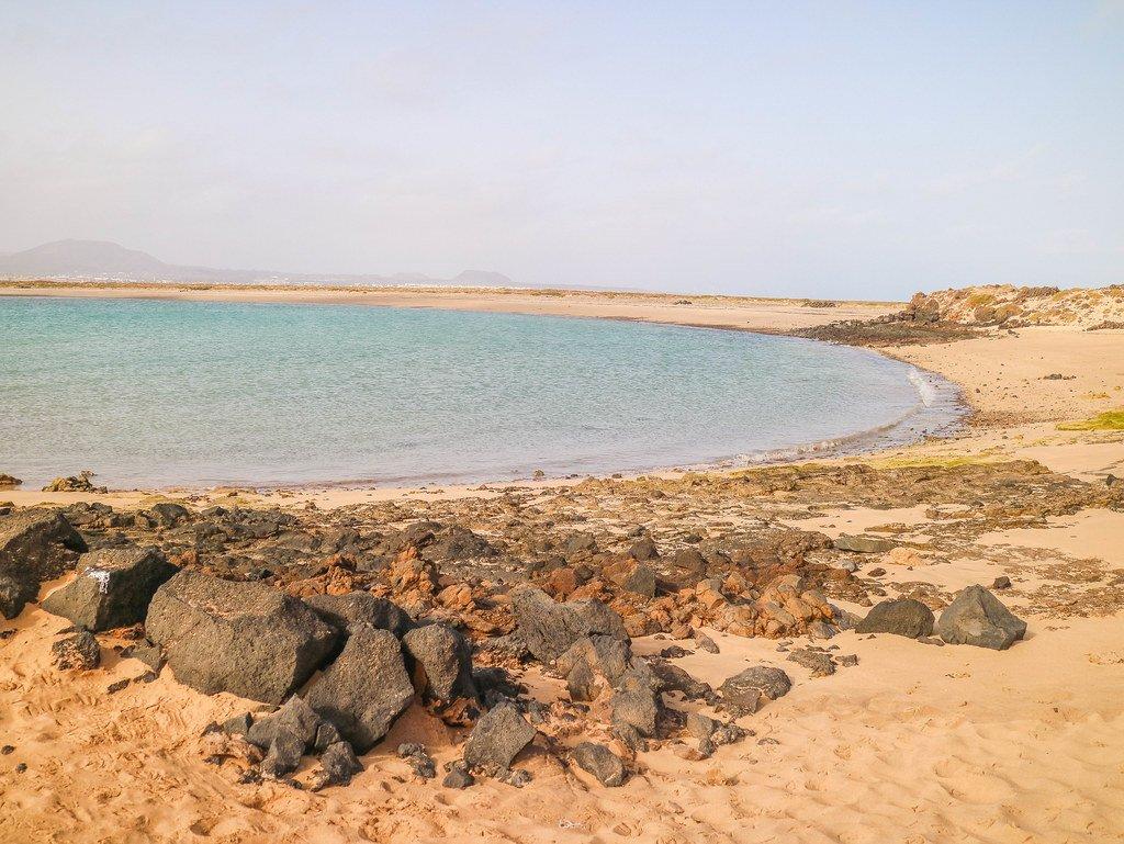 Playa La Calera en la isla de Lobos