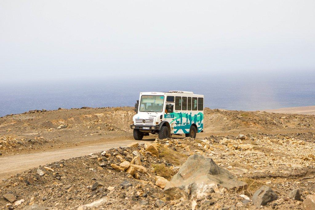 Bus de transporte público para ir a Cofete