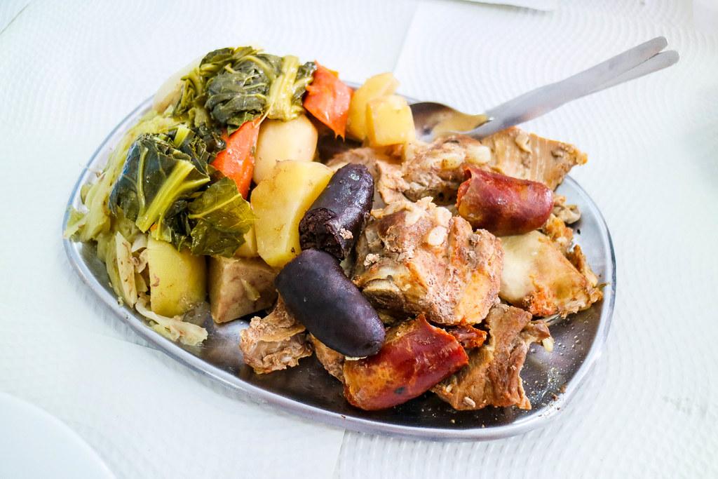 Cocido das Furnas es un plato típico de la isla de São Miguel