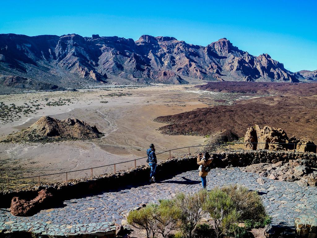 Vista del Llano de Ucanca desde los Roques de García en el Teide