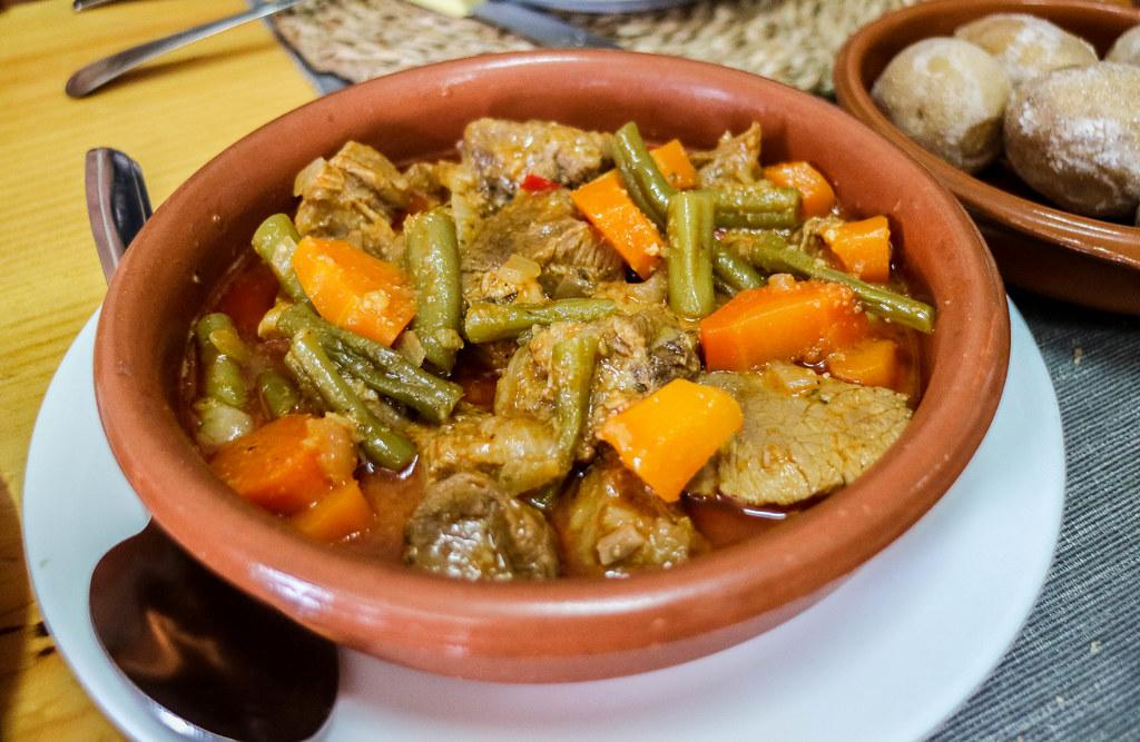 Carne cabra es una comida canaria típica