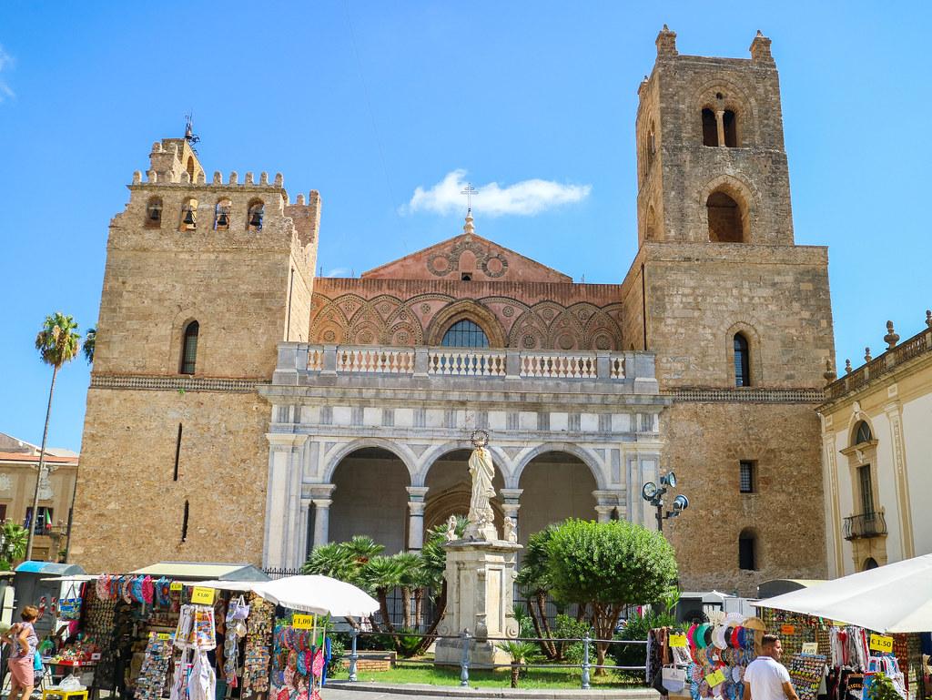 Fachada de la Catedral de Monreale en Siclia