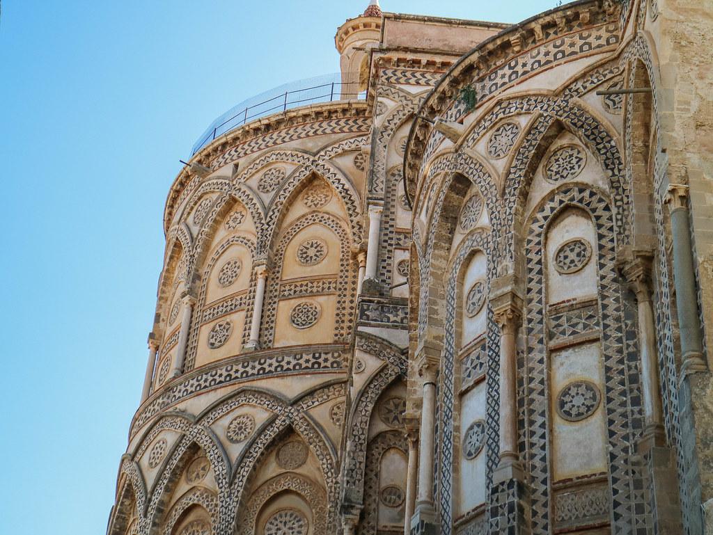 Decoracion del exterior de la Catedral de Monreale
