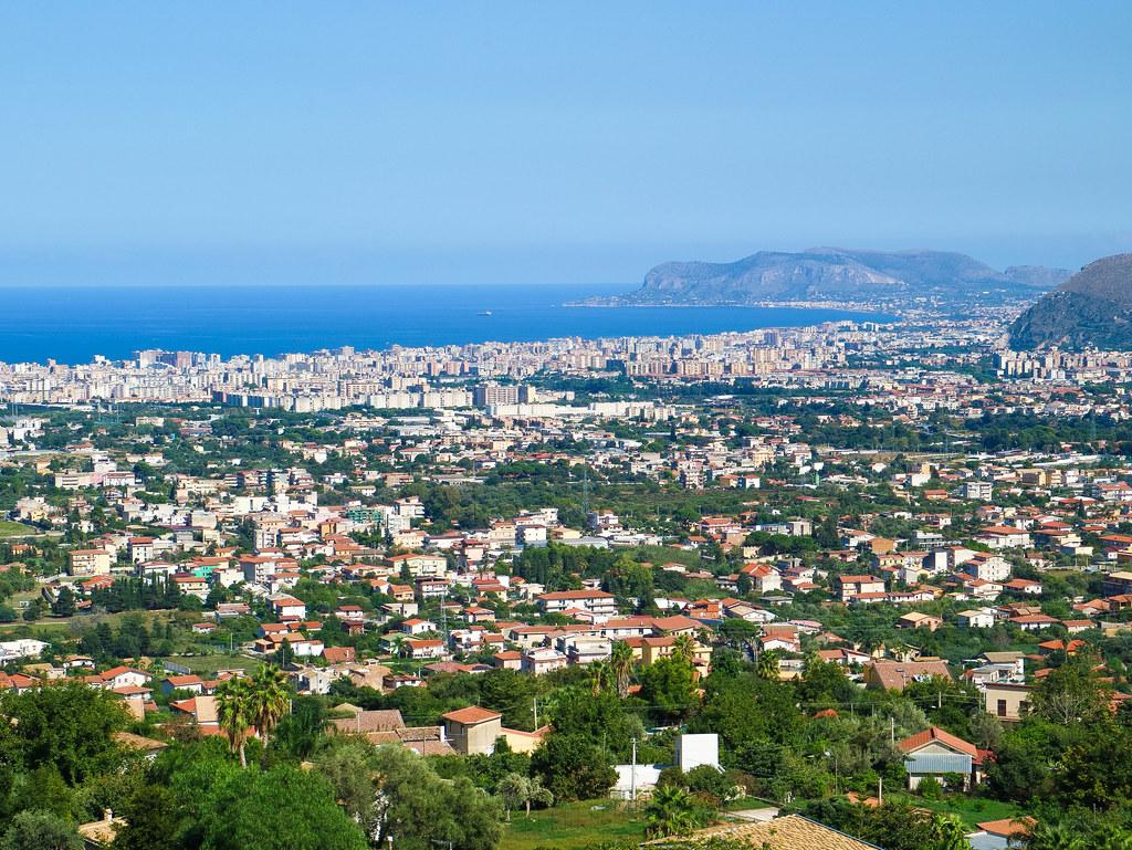 Vistas de Palermo desde Monreale en Sicilia