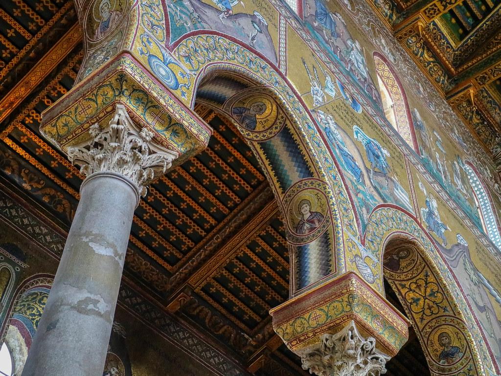 Detalle de las columnas del interior de la Catedral de Monreale