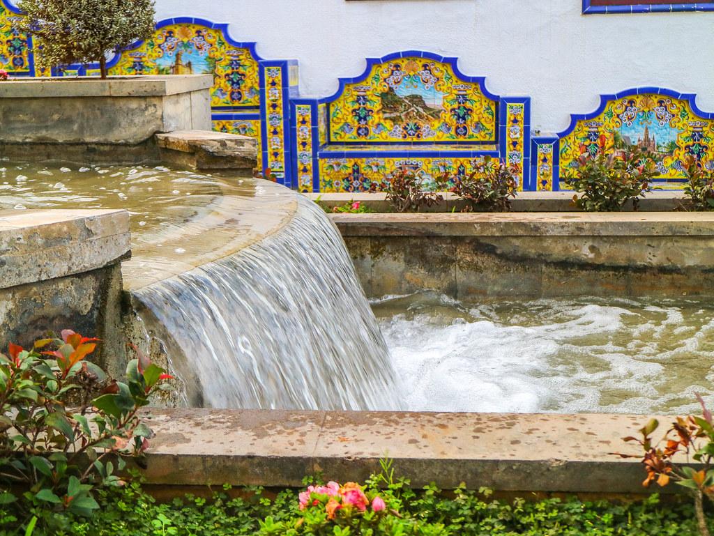 Fuente y mosaicos de Firgas en Gran Canaria