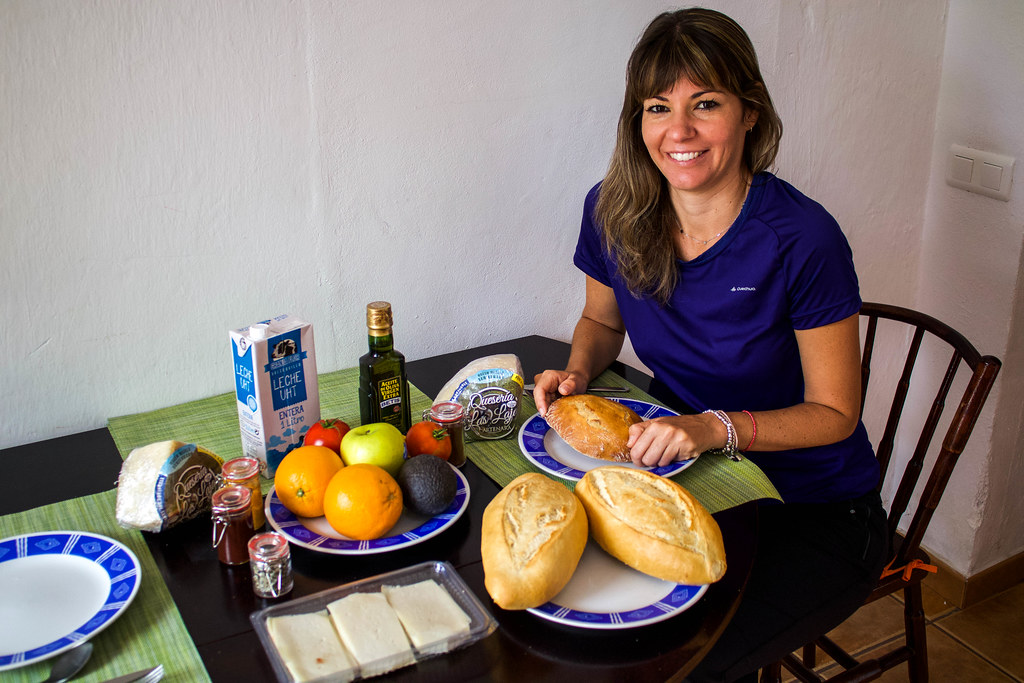 Desayuno con pan de papas en Artenara