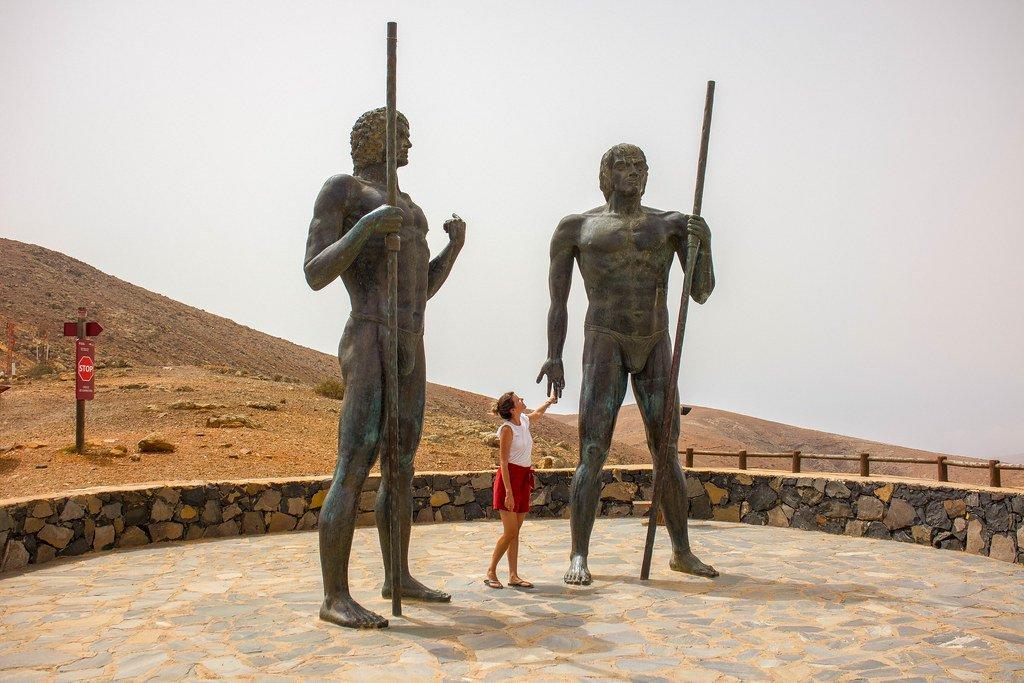 Estatuas de Guise y Ayoze los reyes de Fuerteventura